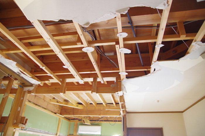 セルフリノベーション Diyで洋室の天井を抜く 天井 洋室 和室