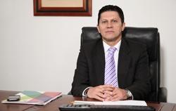 Dr. Renán Camilo Rodríguez, Director Administrativo y Financiero