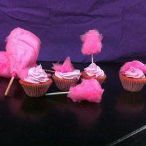 Cupcakes de Algodón de Azúcar - Unos ricos y sencillos cupcakes con sabor a infancia por el algodón de azúcar.