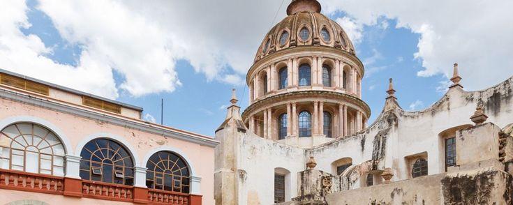 6 atractivos turísticos de la ciudad de Guanajuato. Cuando viajes a Guanajuato, no dejes de visitar su centro histórico, en él se encuentran algunos de los mejores y más interesantes lugares turísticos que ningún viajero debe dejar de visitar.