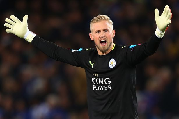Kasper Schmeichel insists he is 'fully committed' to Leicester amid Manchester United speculation - Mirror Online