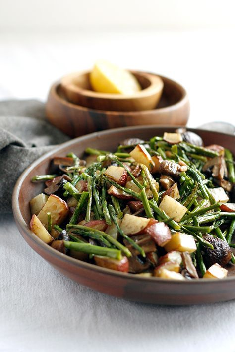 Roast Asparagus with Red Potatoes and Mushroom