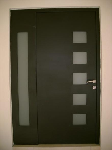 Pin by laux more on mi casa pinterest - Puertas para casas modernas ...