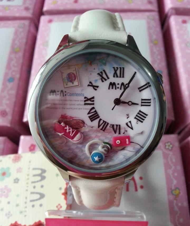 REF.32 Reloj con mini-figuras en 3d porcelana fría.  100% originales, garantía 1 año
