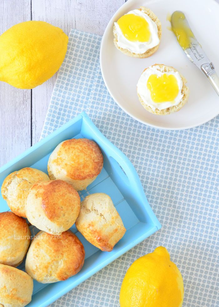 citroen scones met lemon curd