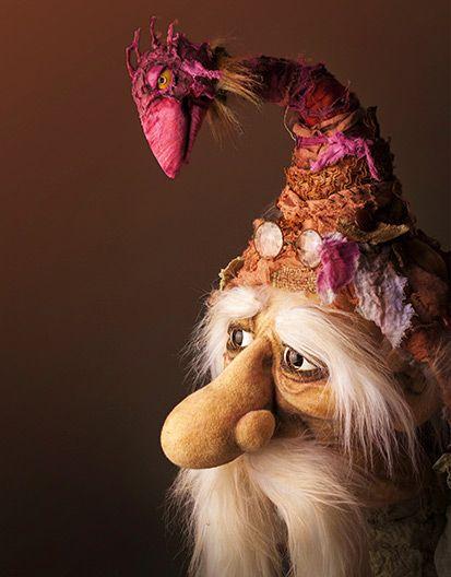 This reminds me of one of my most favourite uncles ! Puppets | Figurenschneider – Puppenbau & Figurenbau Norman Schneider Walk-Acts