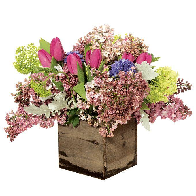 Spring Wedding Centerpiece Ideas: Romantic Purple Centerpiece For A Spring Wedding