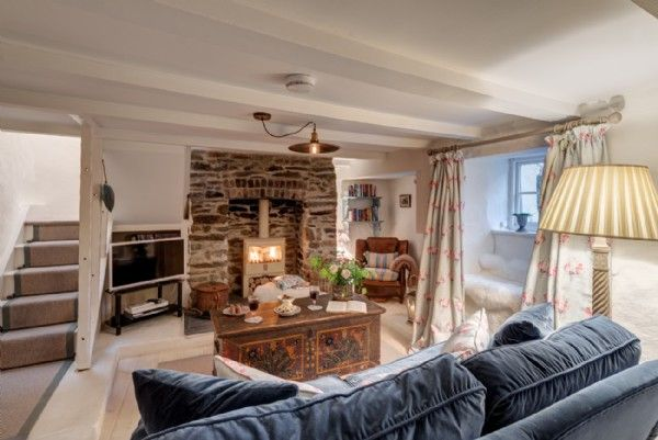 Sweetpea Cottage is a luxury baby-friendly holiday cottage in Cornwall