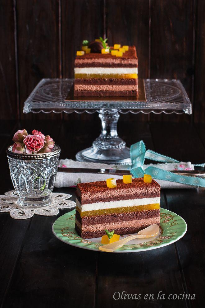 Olivas en la cocina Una exquisita Tarta de chocolate, que os invito a probar. http://rositaysunyolivasenlacocina.blogspot.com.es/2016/02/tarta-de-chocolate-con-trufa-nata-y.html