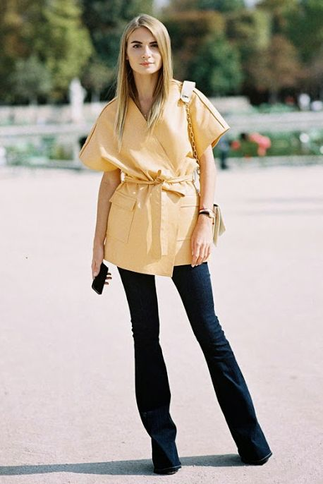 Flare Jeans Outfit Ideas - spring / summer - street chic style - summer outfit ideas - spring outfit ideas - yellow wide cut kimono shirt + dark denim narrow flare jeans + black stilettos