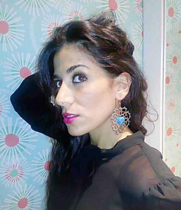Stiloso Earrings http://www.misshobby.com/it/oggetti/orecchini-pendenti-con-cuore-celeste-con-la-tecnica-del-chiacchierino-2