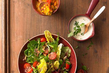 Gemischter Salat mit Parmesan und Himbeervinaigrette, ein beliebtes Rezept aus der Kategorie Gemüse. Bewertungen: 6. Durchschnitt: Ø 3,9.