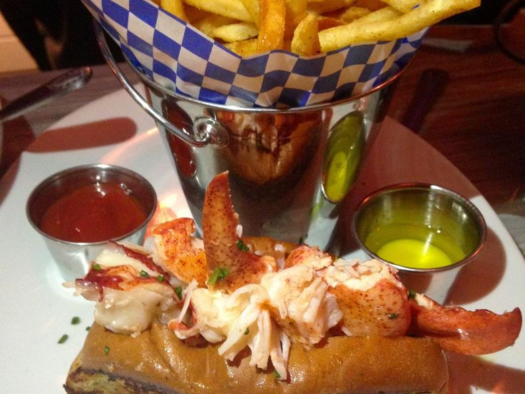 fancy lobster roll - 736×552