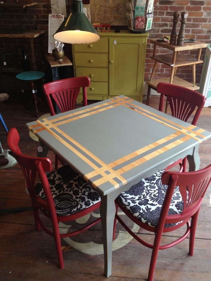 paint/wood table