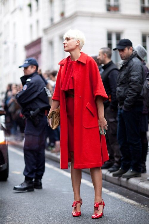 Stand out coat.Street Fashion, Brides Gift, Red, Street Style, Lemonade Design, Elisa Nalin, Pink Lemonade, Glamorous Chic Life