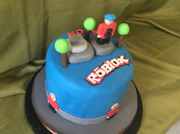 Roblox Cake in Vanilla sponge jam and buttercream all hand decorated inn fondant