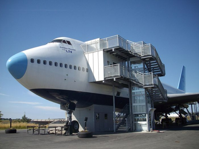 hotel, airplane