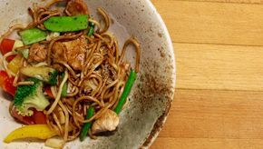 Kyckling wok med 6 ingredienser