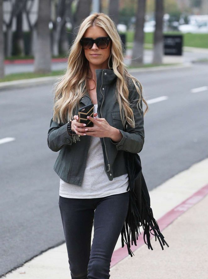 Christina El Moussa at MacArthur Court House -09 - GotCeleb