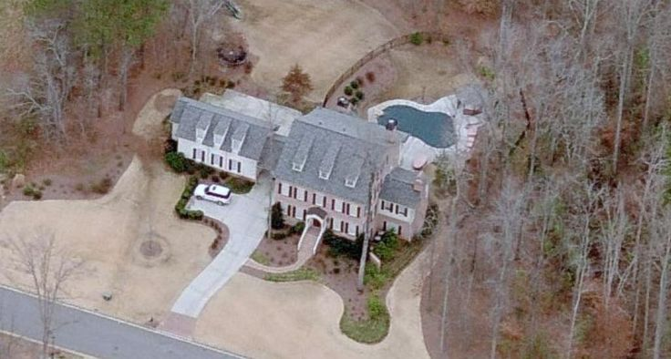 Photo: house/residence of the cool 28 million earning Atlanta, Georgia, U.S-resident