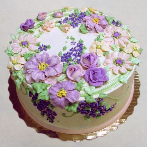 spray lush   Cakes - Buttercream Flowers