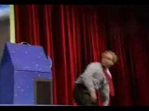 PENN & TELLER - Magician duo reveals trick on stage - Ever wonder about how certain tricks are done?  In this video, a magician duo reveals the secret behind one of their magic tricks.