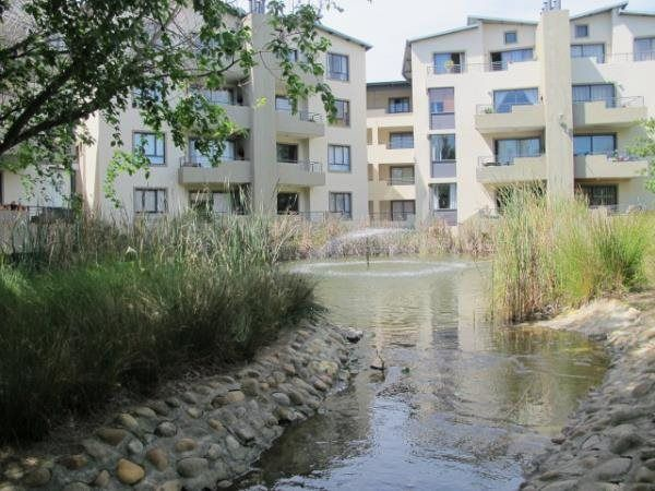 2 Bedroom Apartment in Somerset West Central