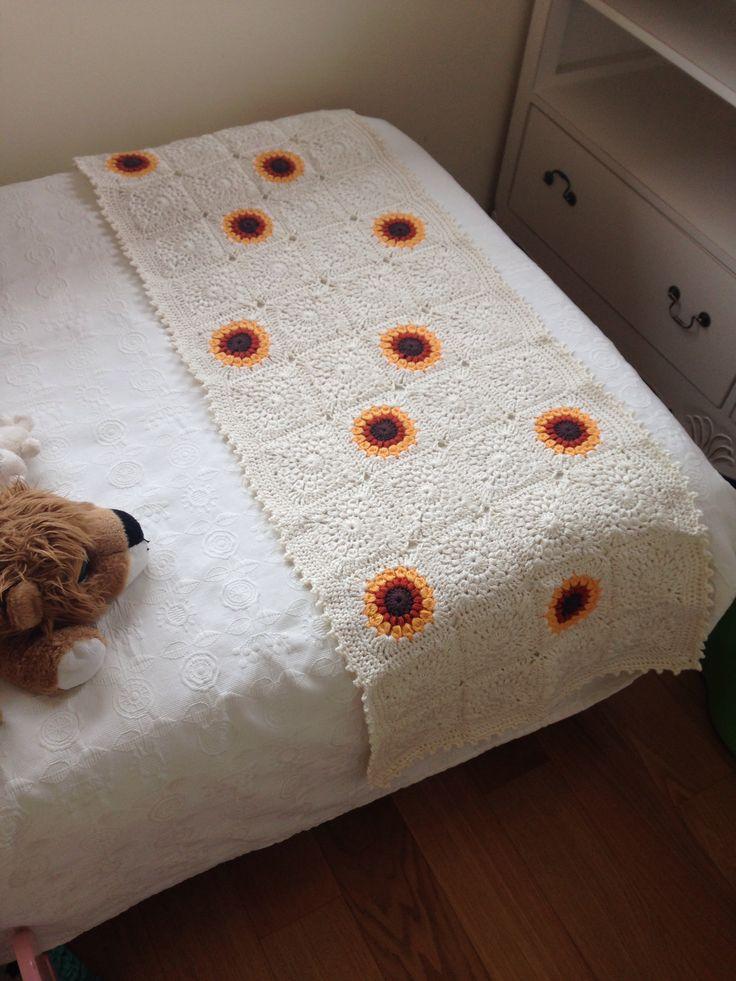 Crochet, pie de cama sunburst granny square stitch, borde en punto picot
