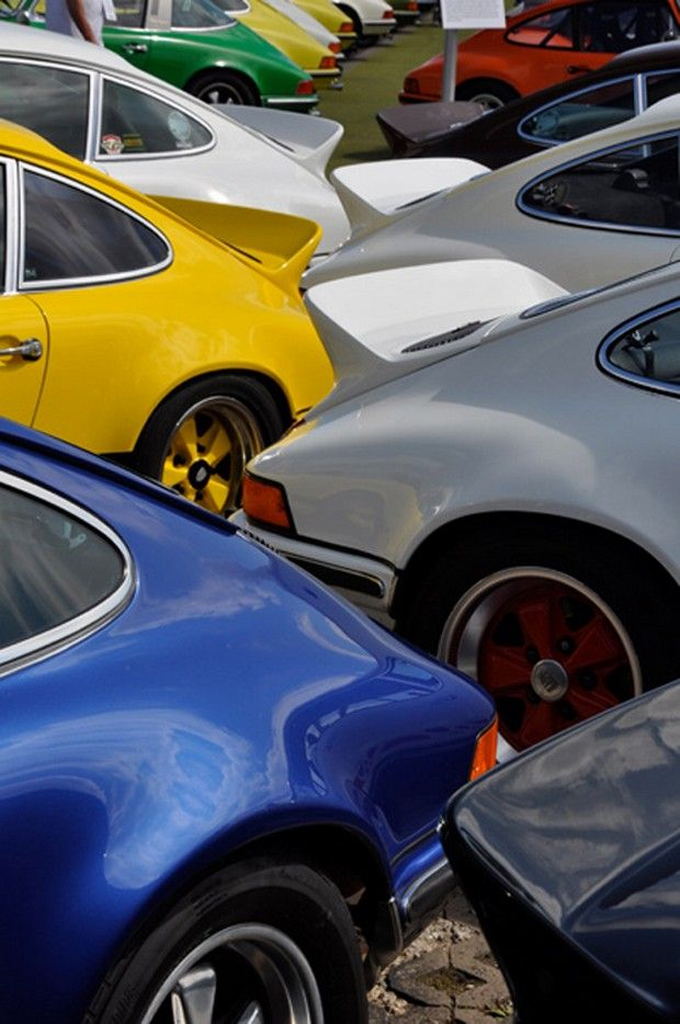 Classic Porsches.... if new porsches are awesome, then classic porsches are seriously crazy