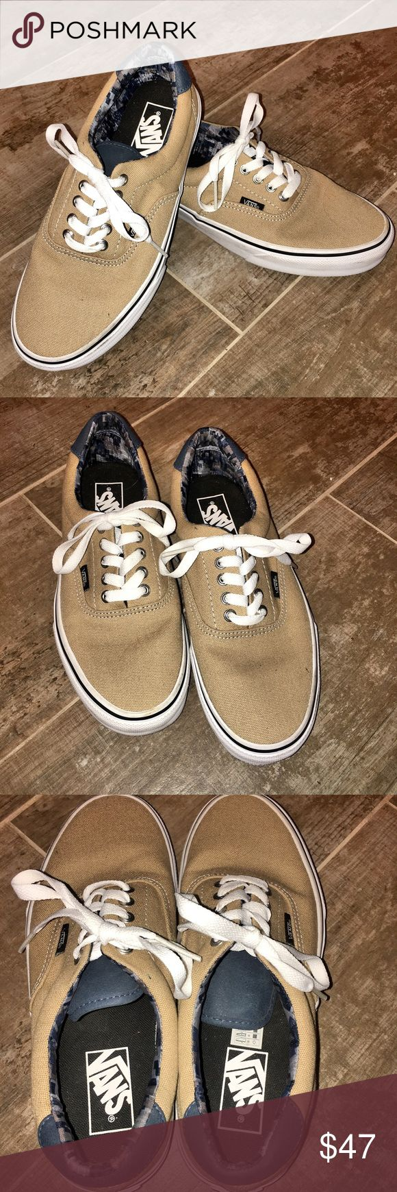 Vans Era 59 Shoes Men's Size 7 Women's Size 8.5 Vans Era 59 Shoes Men's Size 7 Women's Size 8.5 - LIKE NEW WORN ONCE BRIEFLYWho knows if Tony Alva and Stacy Peralta foresaw the longevity of the shoe they were about to create when they designed the first Era shoes in the mid '70s. But here they are, forty years later, and the shoes are still a go-to for skaters and style-chasers alike. This take on the Era features a leather heel accent, as well as the original padding and waffle outsole…