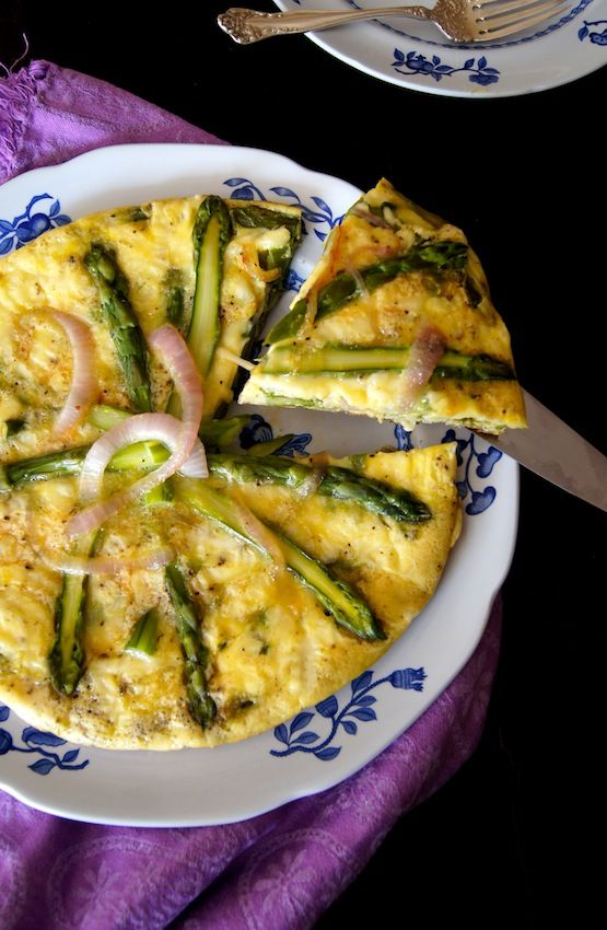 Red Onion Asparagus Frittata | Recipe | Asparagus Frittata, Asparagus ...