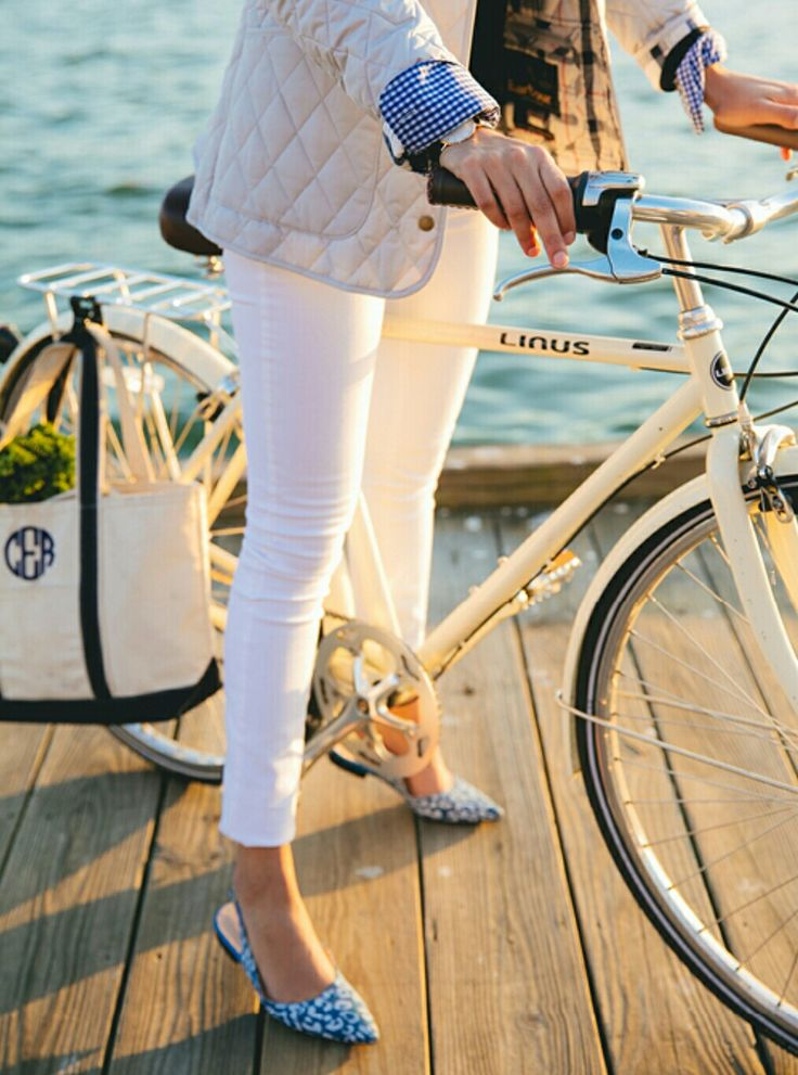 New England Classic Style | Cream quilted jacket | White jeans | Canvas tote bag | White bicycle | Slingback flats | Dockside