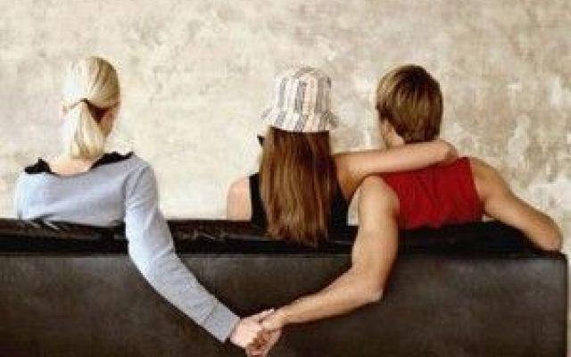 Romalive.org: Insicurezza e Infedeltà Il rapporto con un partner spesso subisce cambiamenti per mancanza di sicurezza. La realtà, le abitudini, i costumi, cambiano improvvisamente rendendo instabili i rapporti mentre gli equilibri mutano #infedeltà #investigazioni #partner
