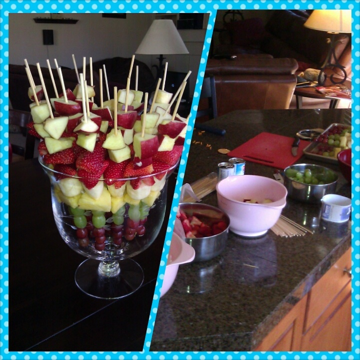 DIY Fruit Kabobs, great for parties, plus how to keep apples and bananas from turning brown.  The DIY Mommy Life