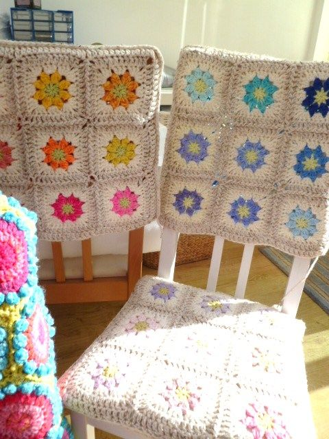 Total Pinspiration once again! Granny crochet squares and some pretty covered chairs! ¯\_(ツ)_/¯  I'm all over this project!