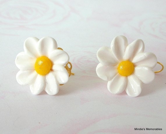 Looking For Alaska Daisy: Daisy Earrings, Polymer Clay White And Yellow Flower