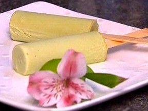 Huum, o picolé de abacate é saboroso e alivia esse calor