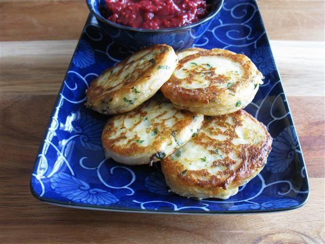 Garlic-y Mashed Potato Cakes (with Raspberry Ginger Mustard Chutney