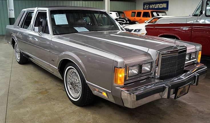 1989 Lincoln Town Car Cartier
