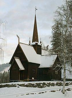 Garmo stavkirke fra Lom, Oppland. Nå på Maihaugen, Lillehammer. Bygget 1200-tallet; endringer 1690 og 1730.