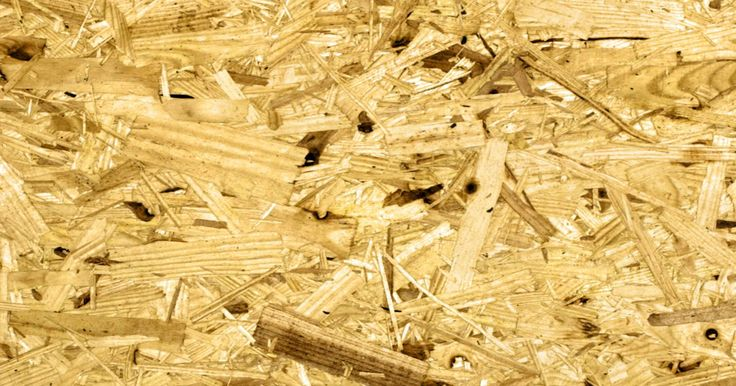 Reparación de aglomerado. El aglomerado se hace generalmente de virutas y trozos de madera dura o madera blanda reciclados y unidos con resina. Es muy útil como una alternativa menos costosa a la madera contrachapada. Aunque se utiliza bastante para suelos, muebles y estanterías, es propenso a la expansión y la decoloración debido a la retención de humedad. Por esta razón, ...