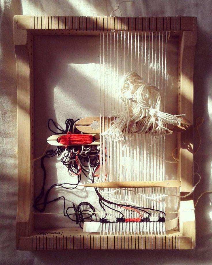 Con la luz de la mañana. #textil #tejido #telar #loom #tapestry  #weaving  #weave #trama #urdimbre #warp  #weft