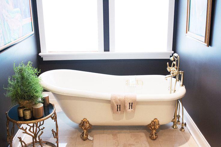 Bathtub #goals courtesy of CNN reporter, Sunny Hostin.