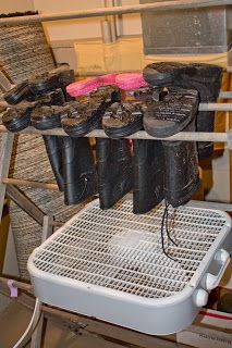 Mamma Can Do It: How to make a homemade boot dryer