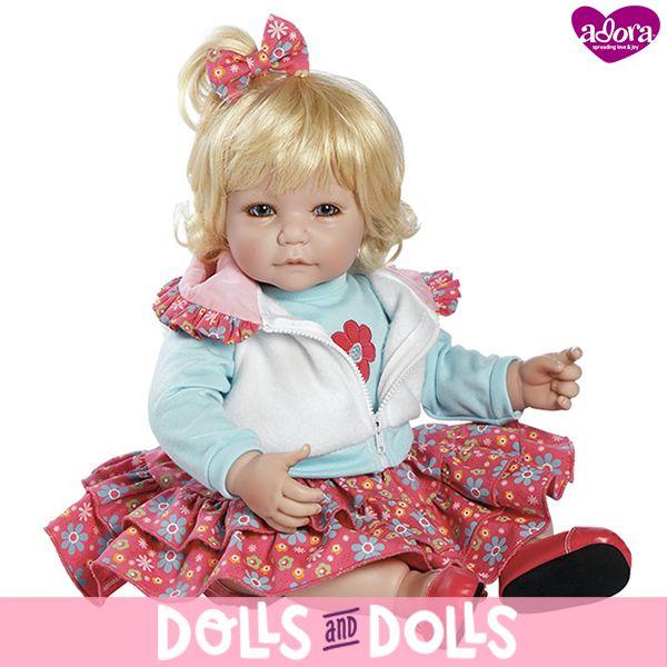 ⏳ ¡NO TE QUEDES SIN ELLA! ⏳ Tickled Pink de la marca #Adora ha sido descatalogada y ya no se fabrica. Si te gustaría comprarla, en nuestra web la encontrarás con otras #muñecas de la marca. ¡Date prisa porque nos quedan muy pocas unidades! #Dolls #AdoraDolls #Muñeca #Bonecas #Poupées #Bambole #MuñecasAdora
