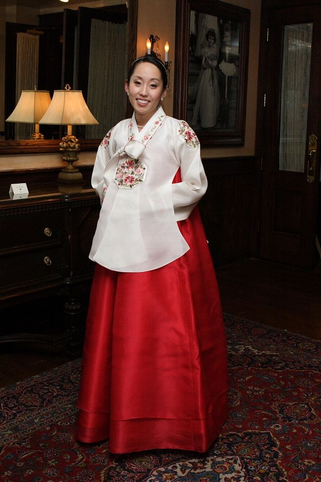 traditional Korean wedding dress