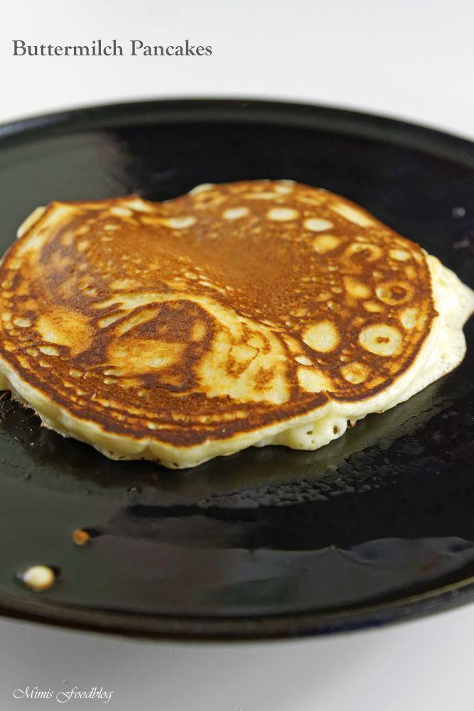 Buttermilch Pancakes mit Ahornsirup -