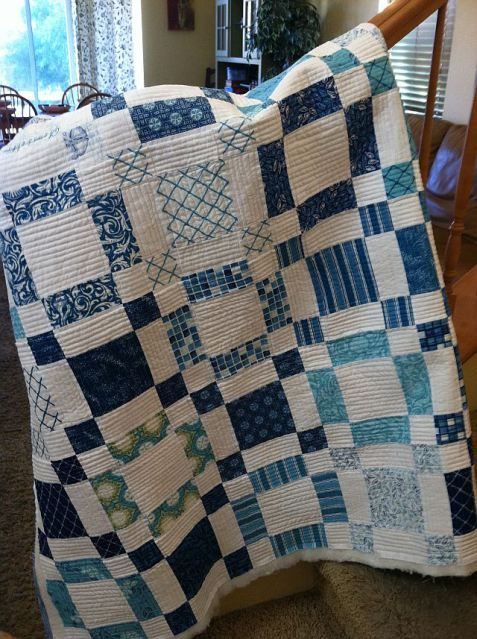 Quilt tutorial .. using jelly roll. I love the blues !