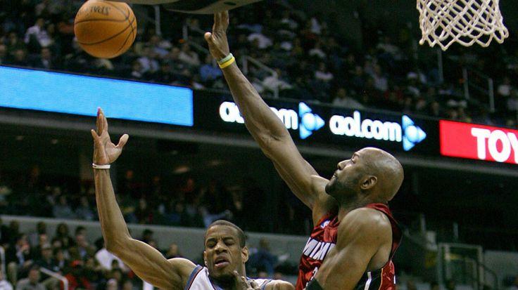 NBA Star Alonzo Mourning's 10-Minute Yoga Practice | Yoga International