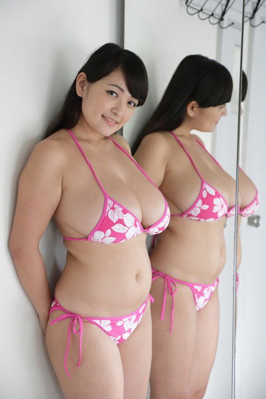 Cute chinese girl show her hot body 10 8